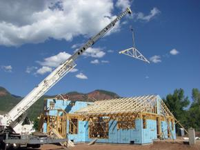 setting trusses with crane